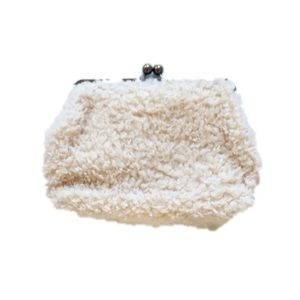 [UNBRANDED] Cream Fur Large Clutch